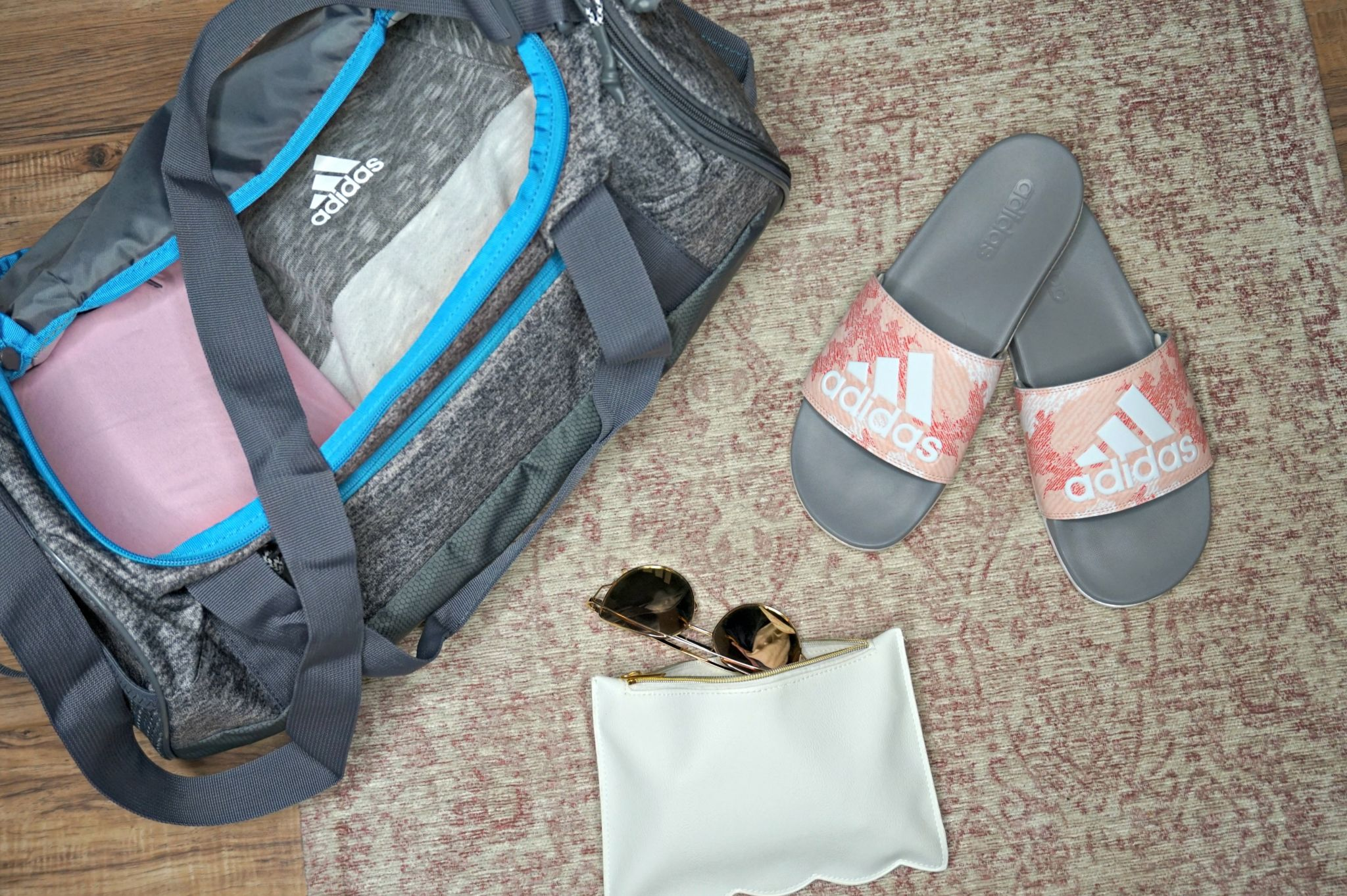 5 Spring Break Packing Essentials // Spring Break Packing List // How To Travel // How To Pack Smart // Traveling Essentials // Summer Packing List // Things You Might Forget To Pack | Beauty With Lily #ad #adidas