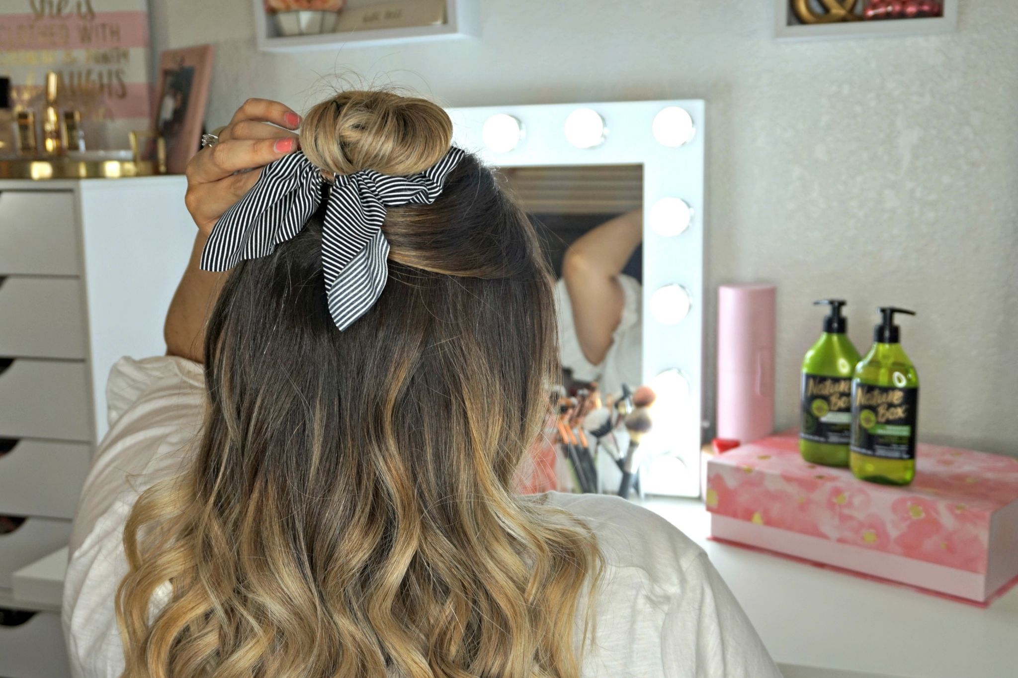 How To Rock Hair Accessories // Trend To Try // Hair Accessories // Hairstyles for Hair Accessories // Hairstyles for Medium Length Hair // Hairstyles for Long Hair // How To Style Bangs // Balayage Hair // Nature Box | Beauty With Lily #ad