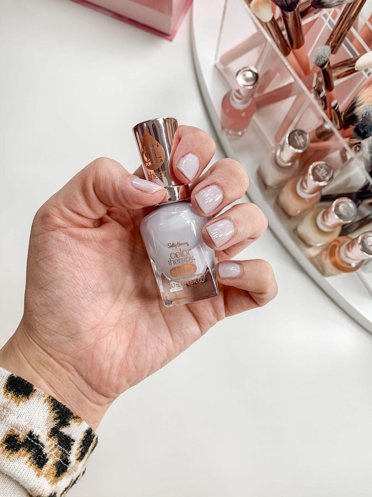 Spring Nail Colors // Summer Nail Colors // Fun Nail Colors for Spring // Spring Manicure // Gel Polish // Pretty Nail Colors | Beauty With Lily #nailpolish #springnailcolors